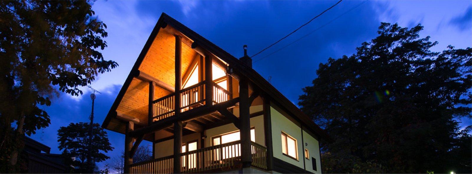 ニセコの貸切一軒家、高峰の夜の外観