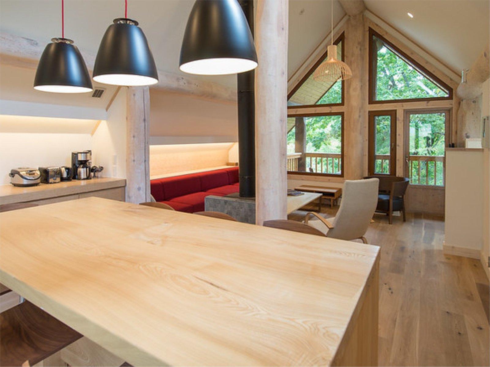 北海道ニセコの貸切できる森の中の一軒家、高峰のリビングルーム
